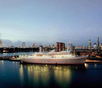 WOW-3-Tage-traumhafter-Kurz-Urlaub-4-Sterne-Hotel-Schiff-Rotterdam-Holland-2UN